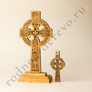 Настольный кельтский крест из дуба - Святой Грааль
